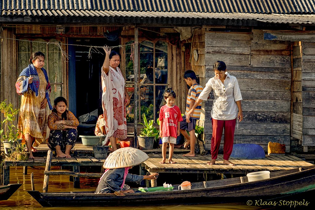 "FLOATING MARKET ""LOK BAINTAN"""